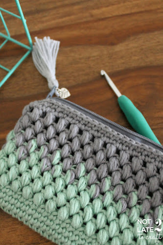 Not 2 late to craft: Estoig degradat amb punt cigró / Puff stitch ombré pouch