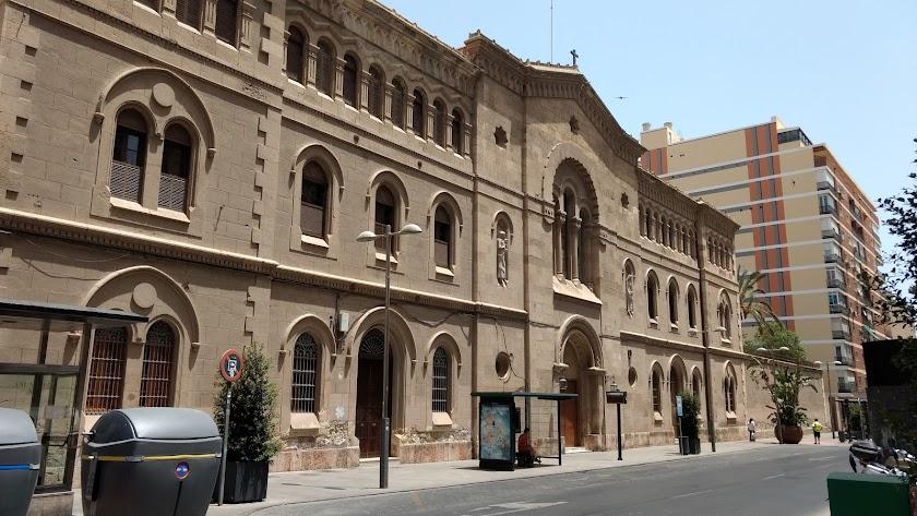 Fachada de la Compañía de María, en la Rambla Obispo Orberá de la capital.