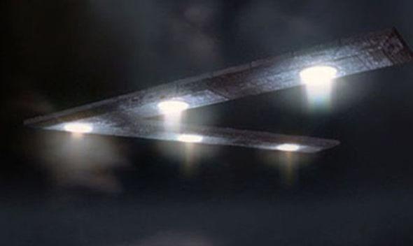 OVNI triangular 01