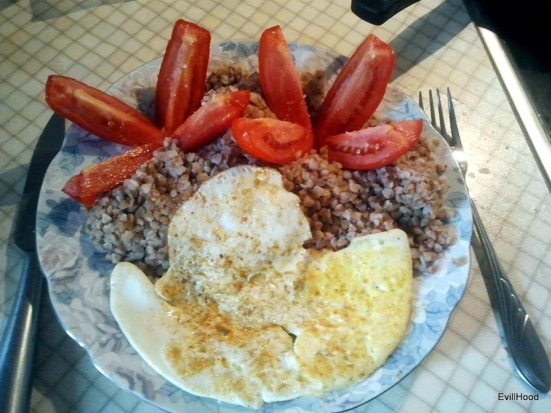 завтрак Атакует