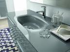 mobile da bagno mod. Linea, particolare lavabo cristallo fuso.jpg