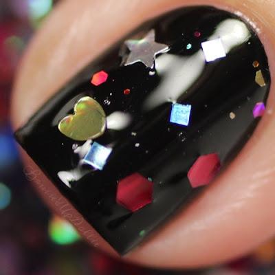 Lolita Lacquer Belly button macro