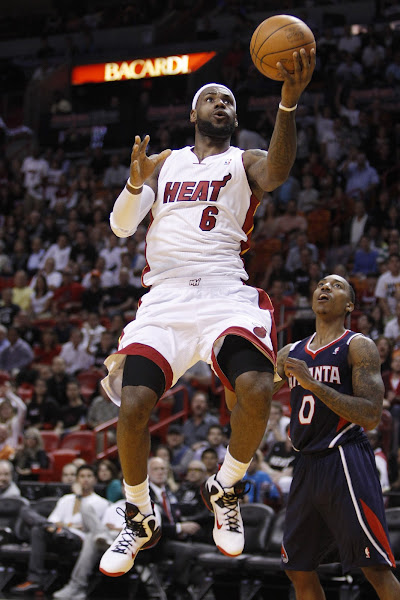 King James8217 Home and Away Nike LeBron 9 Shoes in Action
