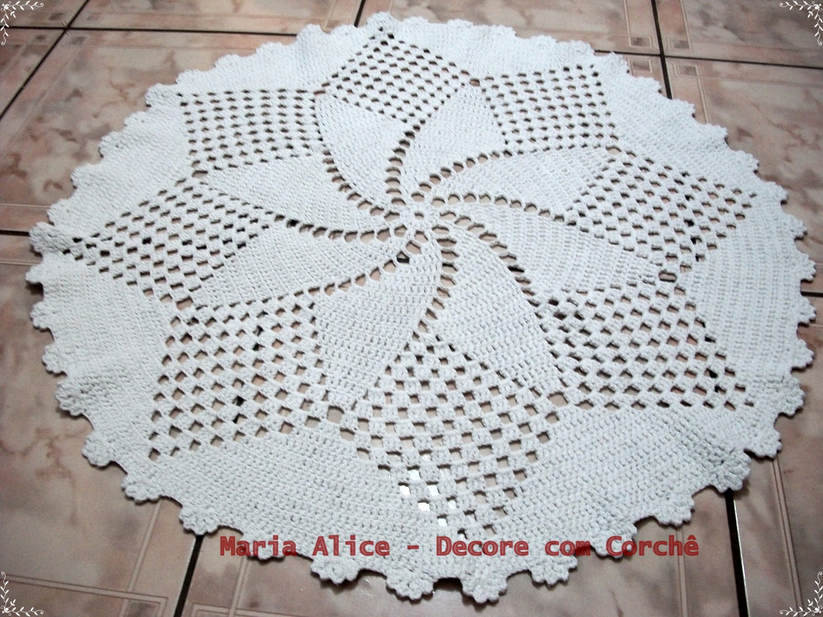 Arte Em Tapete De Barbante : Tapete Redondo De Croche Em Barbante