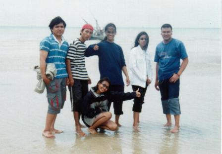 Pose at the Camplong Beach