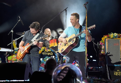 michael-j-fox-performs-onstage-with-coldplay