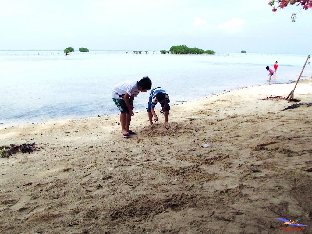 family trip pulau pari 140716 Fuji 032