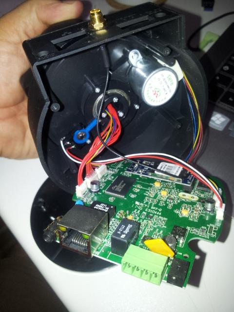 D montez et nettoyez une cam ra rotative foscam - Nettoyer circuit imprime ...