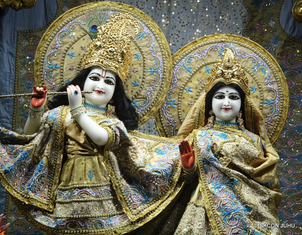 ISKCON Juhu Mangal Deity Darshan on 29th May 2016 (22)