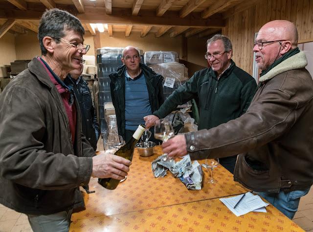 Dégustation des 2016 chardonnay et chenin sec et ... présentation de Freddy, le repreneur. guimbelot.com - 2017-11-18%2BD%25C3%25A9gustation%2Bdes%2B2016%2Bchardonay%2Bet%2Bchenin%2Bsec-123.jpg