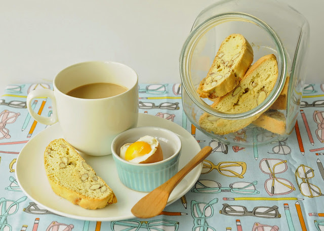 Asian Family Recipes: How to make biscotti