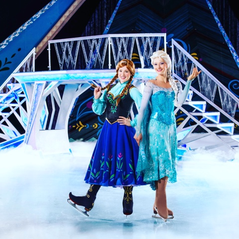Disney Frozen on Ice show elsa and anna