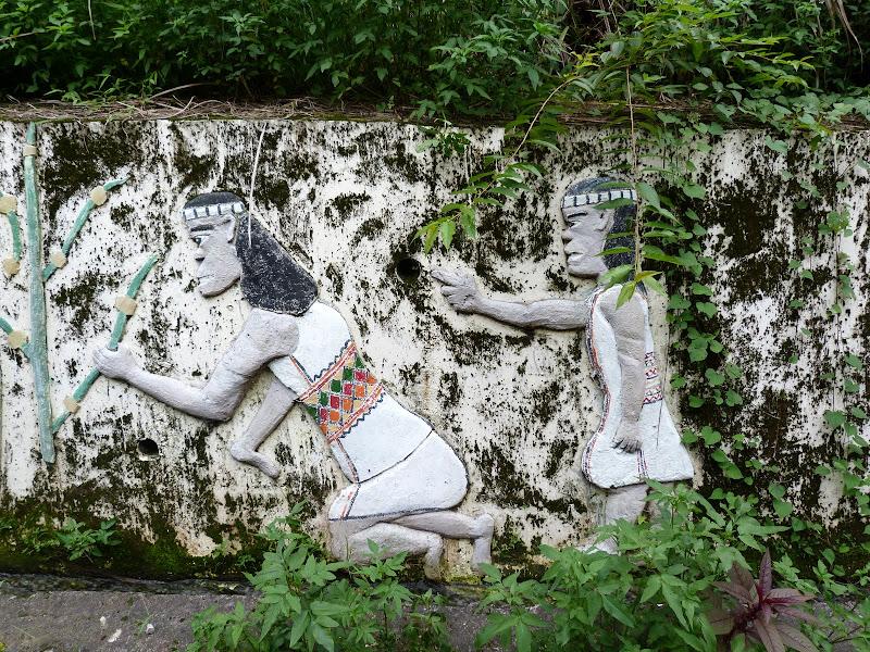 Puli  en passant , entre autres, par les villages de l ethnie Bunum de Loloko et Dili. J 10 - P1170041.JPG