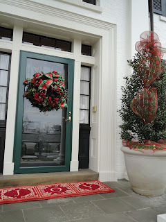 new-holidayCourtelis Front Porch (2)