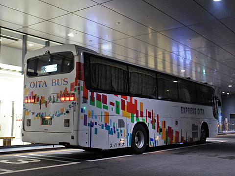 大分バス「トロピカル号」 12767 リア