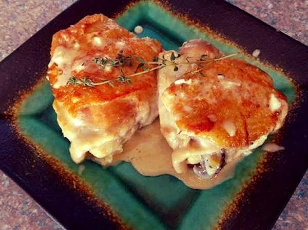 Creamy Garlic Chicken Thighs With Thyme