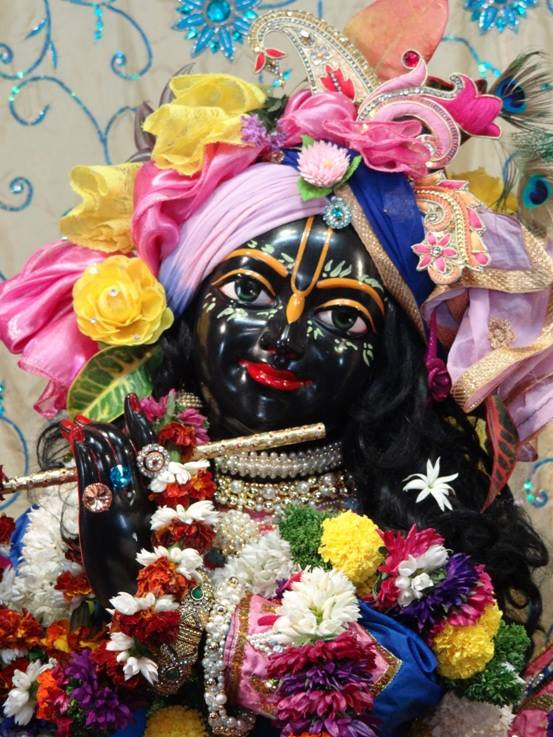 ISKCON Nigdi Deity Darshan 22 Jan 2016 (16)