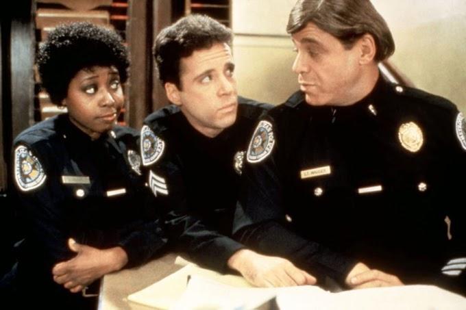Nos ha dejado Marion Ramsey, Hooks en Loca Academia de Policia