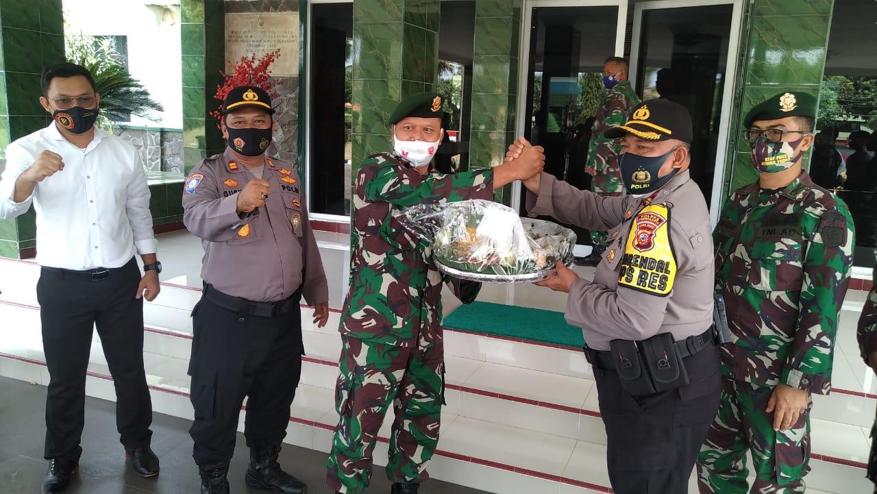 Polres Purwakarta Turut Serta Meriahkan HUT TNI ke 75