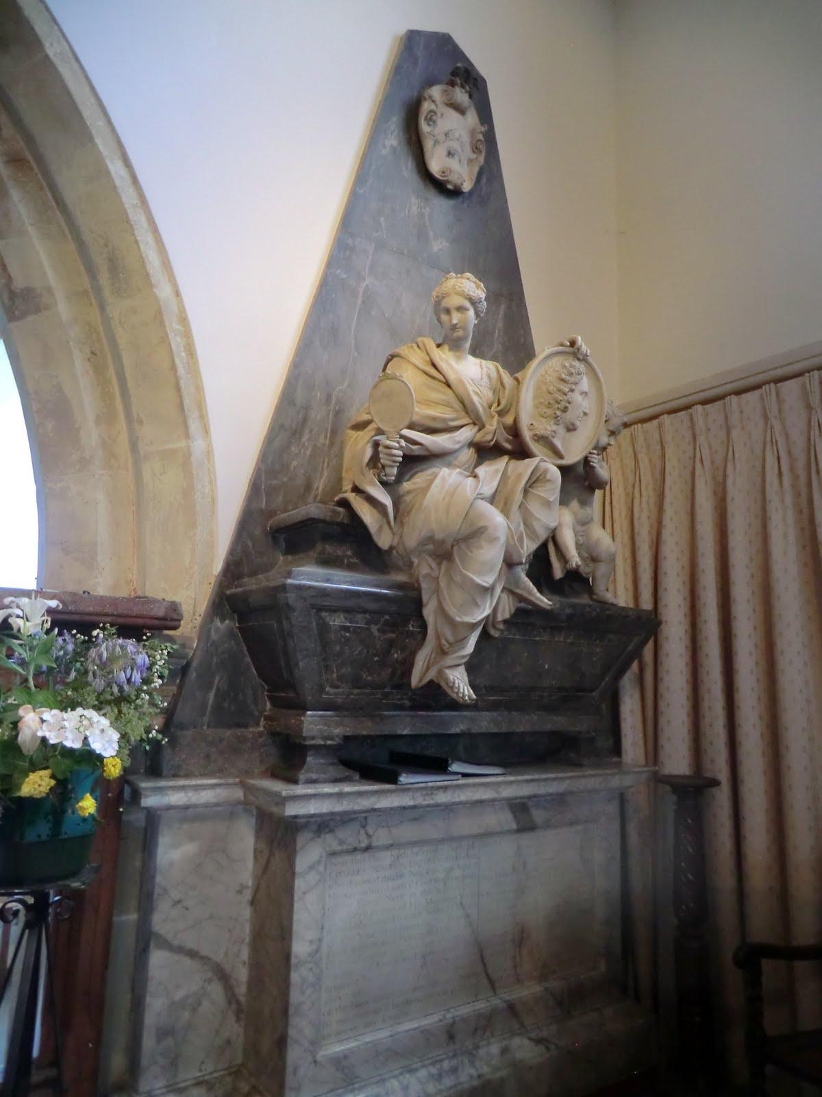 CIMG3441 Memorial, Holy Trinity Church