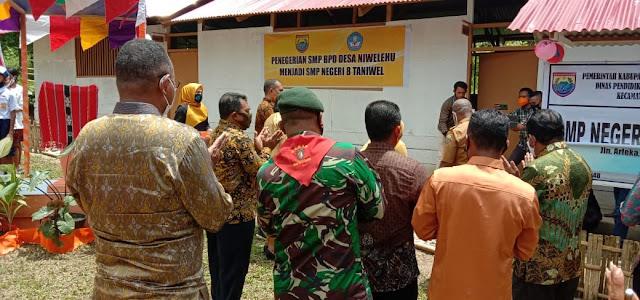 Pos Wakolo SSK II Hadiri Perubahan Status SMP BPD Niwilehu Menjadi SMP N 8 Taniwel.lelemuku.com.jpg
