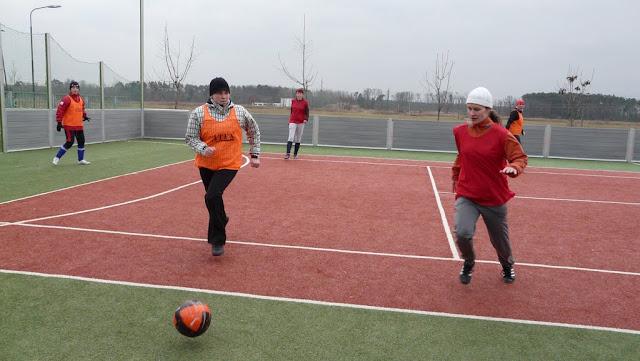Priateľský futbalový zápas žien z JUHu a z Lábu - P1070322.JPG
