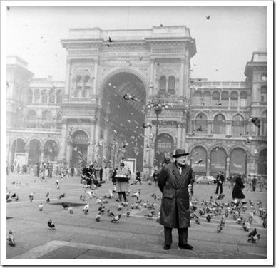 Ungaretti in Piazza del Duomo