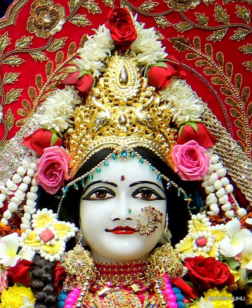 ISKCON Juhu Sringar Deity Darshan on 10th July 2016 (32)