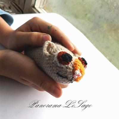 szydełkowe zabawki świnka morska wyłupek Opowieści na dobranoc film szydełkowa maskotka dla dzieci Panorama LeSage