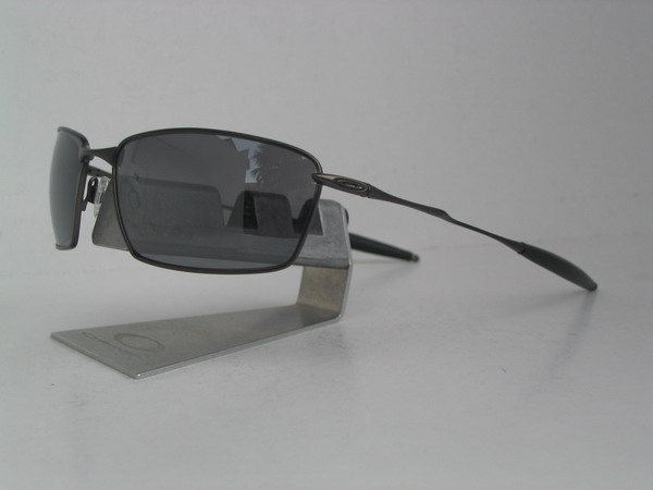 3b8a1e9b083 Oakley Whisker Pewter Lens Black Iridium Polarized
