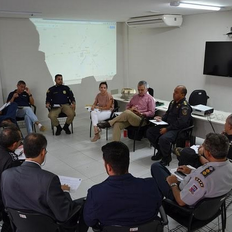 Reunião discute segurança e organização de eventos carnavalescos