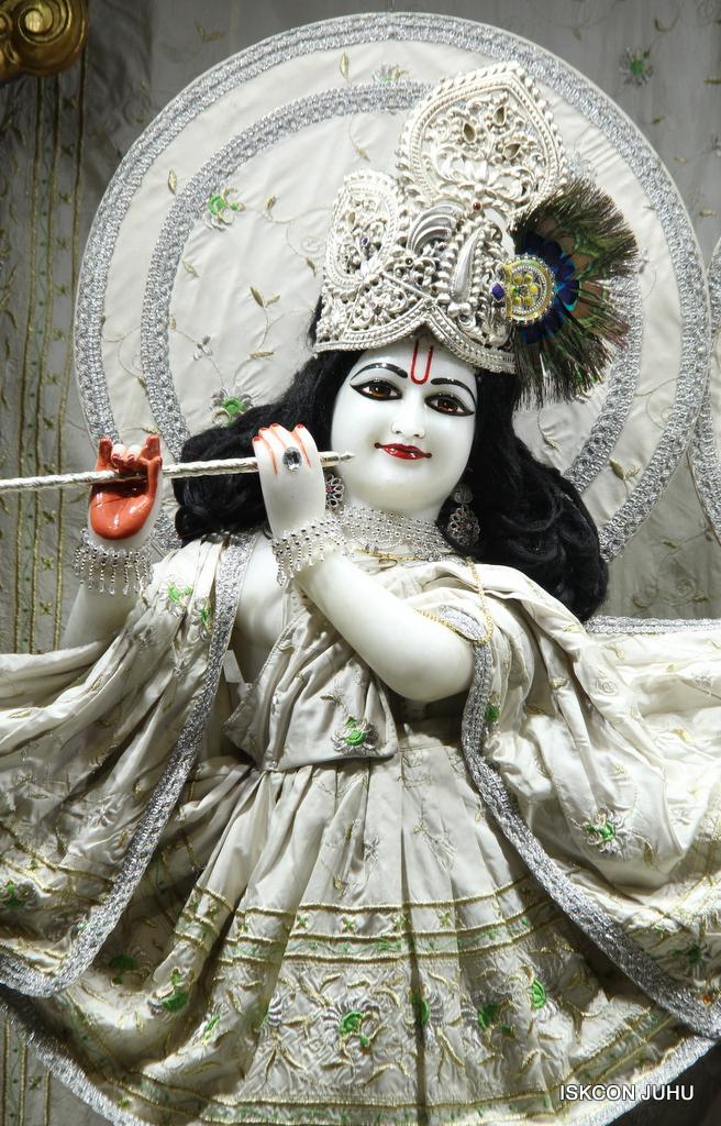 ISKCON Juhu Mangal Deity Darshan on 8th Sep 2016 (28)
