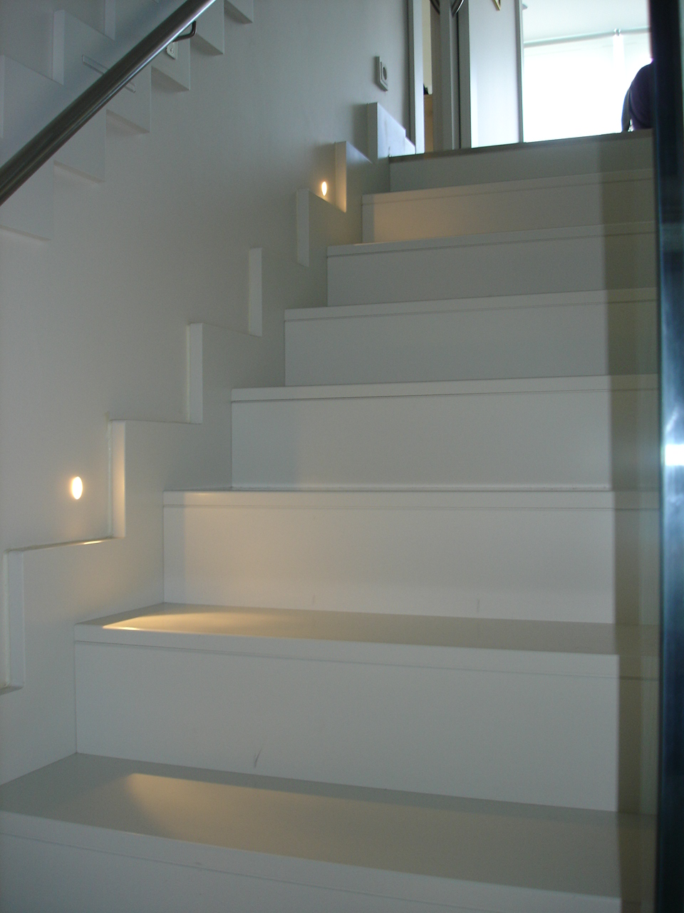 Decora con ana 1 02 11 1 03 11 for Escaleras con luz