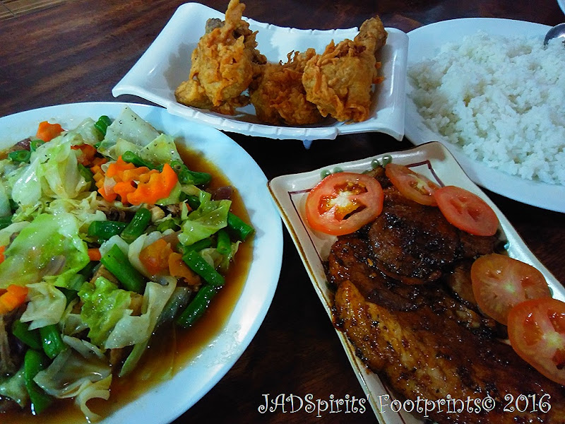 Our dinner at 7th Heavens Cafe - fried chicken, roasted pork and mixed vegetables