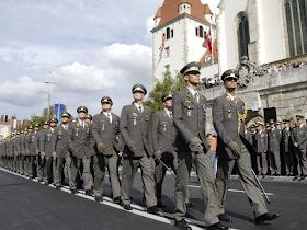 قائد عسكري نمساوي : علاقة الجيش والشعب وثيقة للغاية ونلعب دورا هاما فى أزمة كورونا