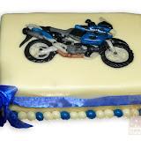 10. kép: Formatorták (fiúknak) - Motordíszes torta