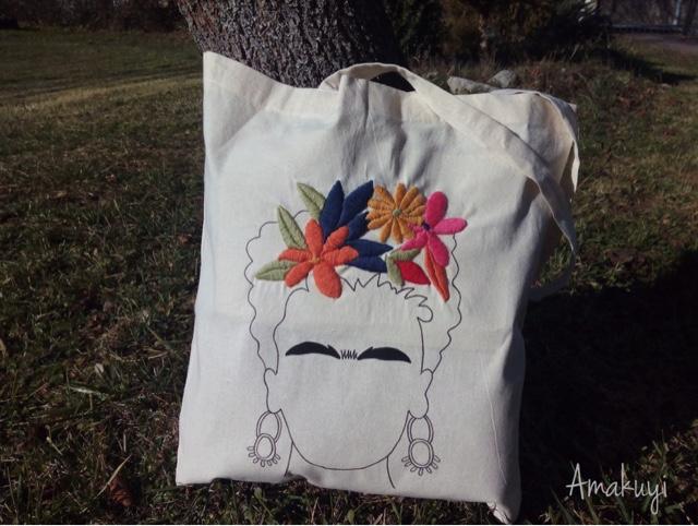 Tote-bag-bordada-Frida-Kahlo-pintada-handmade