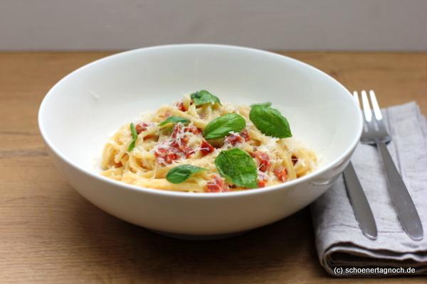 One Pot Pasta mit getrockneten Tomaten