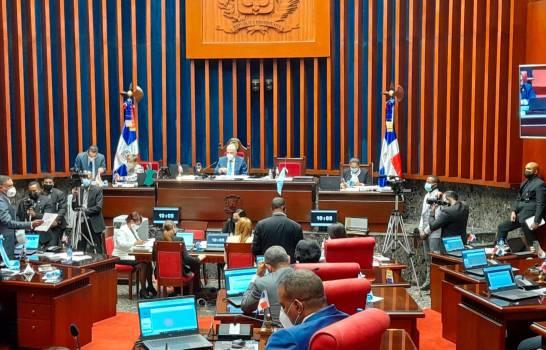 Senadores aprueban 45 días más de extensión del estado de emergencia