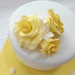 Yellow white roses 5.JPG