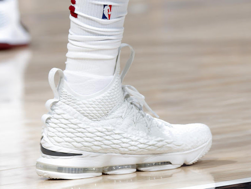 0936438113a James Plays Four Quarters in Pure White LeBron 15 PE With Outriggers ...