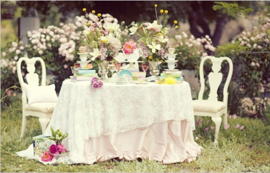 This Scene Totally Reminds Me Of Alices Tea Party In Wonderland