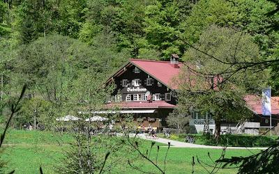 Giebelhausblick Ostrach Hintersteinertal Tour Hindelang Hinterstein Giebelhaus Allgäu primapage
