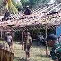 Laksanakan Kerja Bakti,Satgas Yonif RK 751/VJS Bangun Pondok Peresmian Gereja