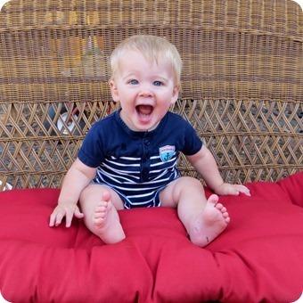Henry 11 month Portraits_0004_thumb