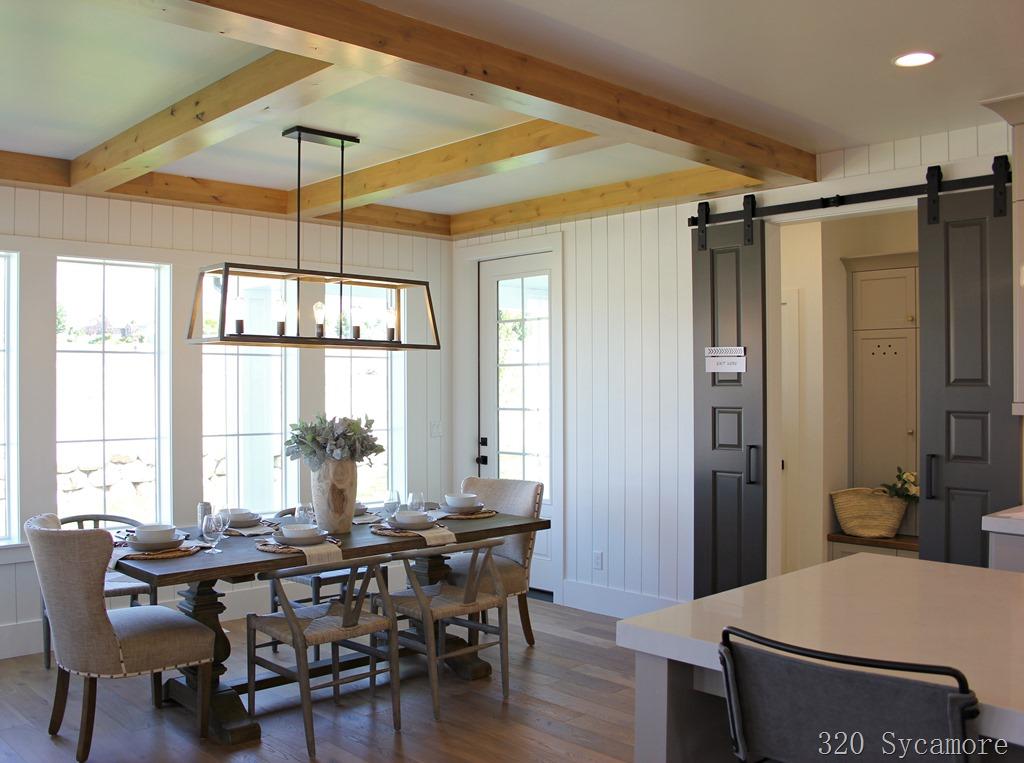[vertical+shiplap+barn+doors%5B2%5D]