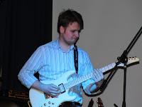 18 Pölhös Vendel gitáros.JPG