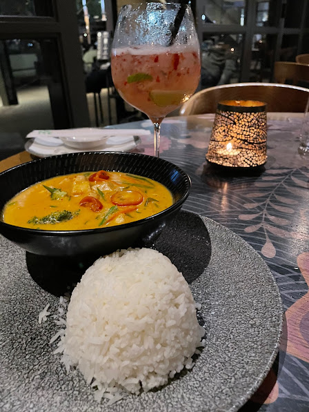 Koi restaurant pretoria, The Capital Menlyne Maine, Red Thai Chicken Curry (With broccoli, beans, and baby corn served with sweet rice)