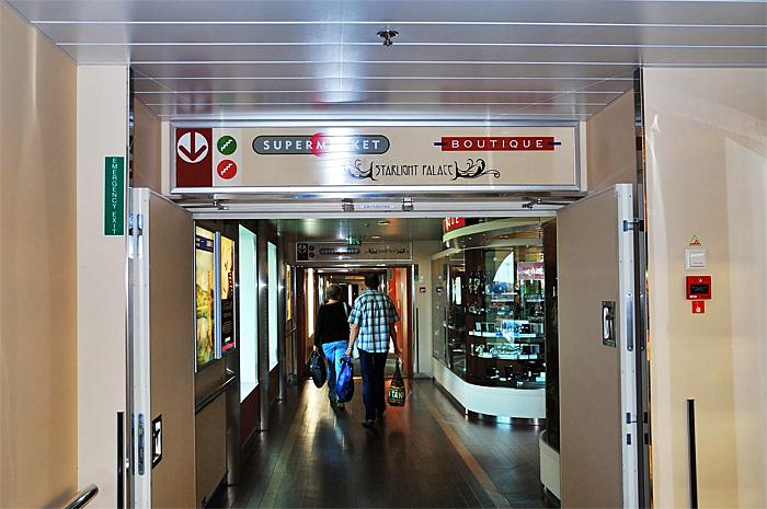 FerryTallinn01.JPG