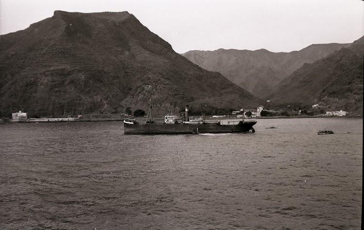 El GENERALIFE en navegación. Coleccion Juan Antonio Padron Albornoz. Universidad de La Laguna. Puerto Autonomo de Tenerife.jpg